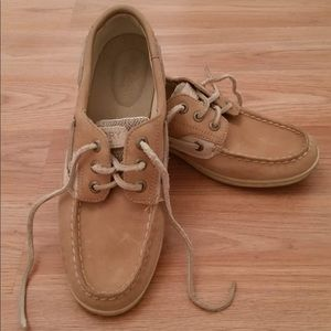 Sperry leather loafers NWT